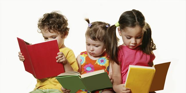 Žymūs Lietuvos žmonės skatino vaikus per vasaros atostogas nepamiršti knygų