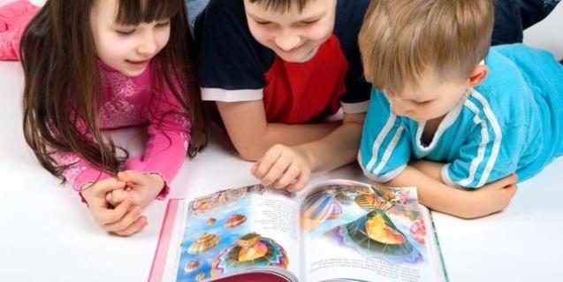 11 būdų, kaip išmokyti vaiką mėgti knygas