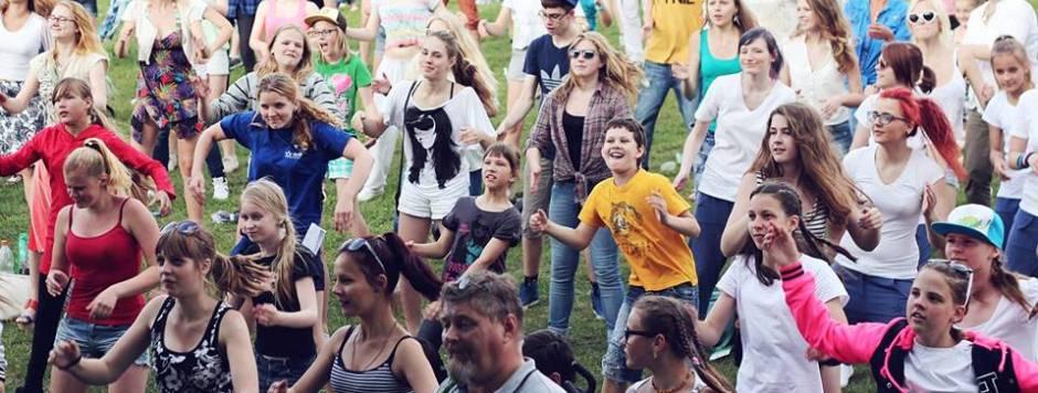 """""""Menų pievoje"""" ir vaikai, ir tėvai galės susipažinti su vaikų vasaros poilsio galimybėmis"""